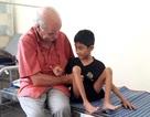 Khám sàng lọc dị tật cơ xương khớp cho trẻ em ở Phú Yên