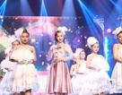 Võ Hoàng Yến trình diễn bộ móng tay 100.000 USD