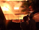 Xưởng gỗ rộng hơn 1.000m2 bùng cháy dữ dội