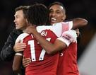 Những khoảnh khắc tạo nên chiến thắng thứ bảy liên tiếp của Arsenal