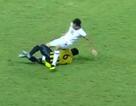 Cầu thủ gãy gập chân sau pha vào bóng kinh hoàng tại giải U19 châu Á