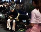"""Tiếng ghita Hawaii """"mênh mang"""" ở phố đi bộ giữa Sài Gòn"""