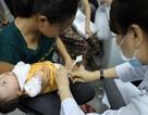 """""""Lệch"""" thời gian chích vắc xin sởi đang tạo lỗ hổng miễn dịch"""