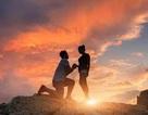 Cầu hôn trên vách đá cao chênh vênh, cặp đôi cùng rơi xuống vực chết thảm