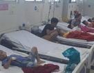 Sau ăn bánh mì hơn 30 trẻ nhập viện cấp cứu