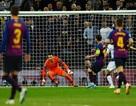 Tottenham 2-4 Barcelona: Messi rực sáng