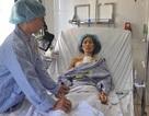 Chồng tàn tật khóc cầu xin mọi người cứu vợ bị suy tim nặng