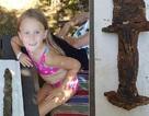 Bé gái 8 tuổi nhặt được thanh kiếm 1000 năm tuổi khi đi chơi hồ