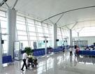Khách để quên nữ trang, nhân viên sân bay mang đi… cầm đồ