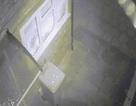 """Video: Khỏa thân cầm gậy """"lao như bay"""" ra khỏi nhà bắt trộm"""