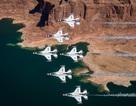 """Màn trình diễn ấn tượng của phi đội máy bay """"Chim sấm sét"""" của không quân Mỹ"""