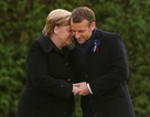 """Thủ tướng Đức Merkel """"bối rối"""" vì bị nhầm là Đệ nhất phu nhân Pháp"""