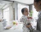 Điều gì đã làm nên sự kỳ diệu trong sữa mẹ?