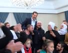Được giải phóng khỏi IS, người dân Syria kiệu tổng thống ăn mừng
