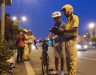 CSGT ra quân xử lý xe đạp thể thao chạy vào làn đường ô tô