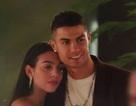Hạnh phúc bên bạn gái, C.Ronaldo vẫn hướng về đội tuyển Bồ Đào Nha