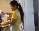 """Mẹ trẻ Hà Nội than trời vì giúp việc như """"bà chủ"""", cả ngày chỉ ngủ rồi chơi"""
