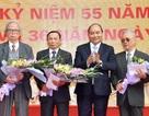 Thủ tướng Nguyễn Xuân Phúc trở về thăm trường cũ nhân dịp 20-11