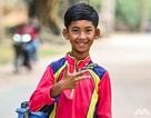 Tương lai rộng mở cho cậu bé bán hàng rong nói tốt 16 thứ tiếng