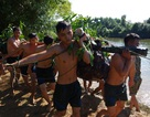 Lính bộ binh Hà Tĩnh diễn tập đưa vũ khí vượt sông