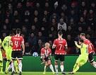 Messi giúp Barcelona giành ngôi đầu bảng, Tottenham thắng nghẹt thở Inter
