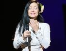 Vừa ra viện, Diva Hồng Nhung vẫn hát hết mình trên sân khấu