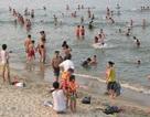Đà Nẵng mở lối xuống biển cho dân