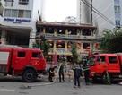 Nhà hàng bốc cháy, hàng trăm du khách ở phố tây Nha Trang náo loạn
