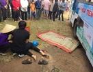 Va chạm với xe buýt, 2 vợ chồng bị xe cán tử vong