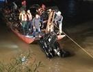 Trục vớt ô tô rơi khỏi cầu Chương Dương: Trong xe có 2 thi thể