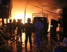 Xưởng gỗ hơn 1.000 m2 cháy dữ dội, người dân sơ tán trong đêm