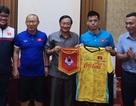 Được tặng 4.000 USD tại Lào, HLV Park Hang Seo tuyên bố giành ngôi nhất bảng