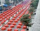 """Đám cưới siêu khủng với hàng nghìn bàn tiệc """"chảy dài"""" hết con đường tại Trung Quốc"""