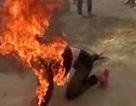 Đổ xăng đốt vợ sau buổi tòa xử ly hôn