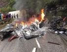 Xe container lật chắn ngang quốc lộ, bốc cháy dữ dội