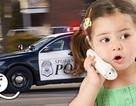 Bé gái 9 tuổi gọi cảnh sát vì bố mẹ bắt... dọn phòng