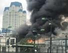 Cháy lớn sát trụ sở Liên đoàn Bóng đá Việt Nam, 2 ô tô bị thiêu rụi