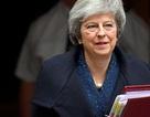 """Thủ tướng May """"sống sót"""", ly dị Anh - EU vẫn bế tắc"""