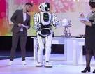 Robot hiện đại vừa được Nga giới thiệu thực chất là bộ trang phục... do người đóng