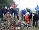 Gần 1.000 đoàn viên thanh niên dọn rác trên bãi biển Sầm Sơn