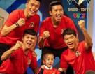 Quang Hải, Văn Hậu... nhắn gì đến bé 4 tuổi bị u não sau khi giành chiến thắng?