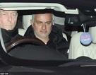 HLV Mourinho nhận tiền đền bù khủng sau khi bị MU sa thải
