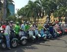 Nghề mới dịp Tết: Lái xe Vespa chở khách dạo phố