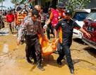 Số người chết do sóng thần tại Indonesia tăng lên gần 400