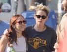 Kristen Stewart quấn quýt bạn gái mới không rời