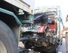 Tài xế và phụ xe tử vong trong cabin xe tải biến dạng