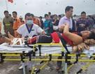 Cứu 4 thuyền viên bị nạn trên tàu nước ngoài trong thời tiết xấu, biển động