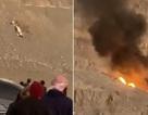 Trực thăng lộn nhiều vòng, đâm xuống núi bốc cháy thành cầu lửa