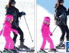 Kim Kardashian cùng chồng con đi trượt tuyết