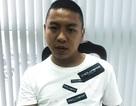 Người dân bắt thanh niên giật iPhone của du khách Trung Quốc